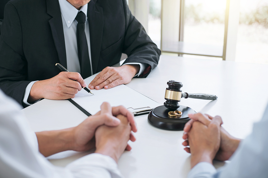Divorce lawyer in Parramatta helping a couple on their separation